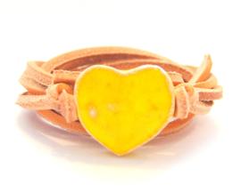 Armband naturel leren veter met geel hart