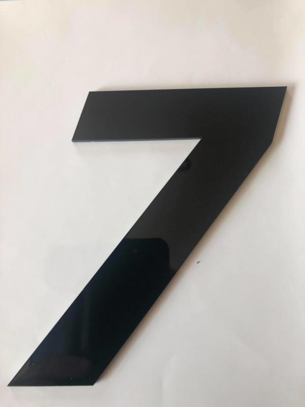 Huisnummer zwart plexiglas/acrylaat cijfer 7