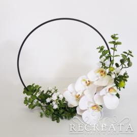 Zwarte Flowerhoop met Orchidee - 25 cm