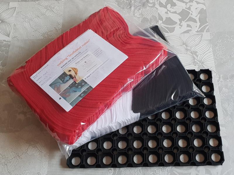 Doe-Het-Zelf-Maak Pakket Snuffelmat Large 40x28cm