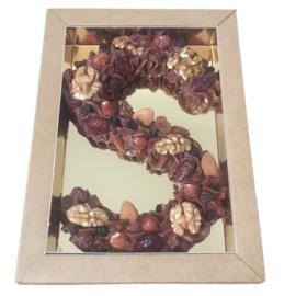Biologische bonbonletter van roomchocolade