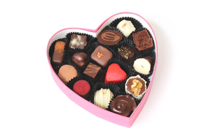 Groot hart met 16 biologische bonbons