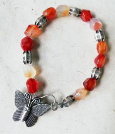 Armband met rode agaat en zilver