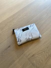 White marble klein