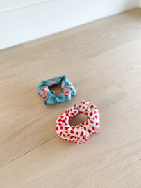 Set van 2 scrunchies White hearts & Sahara