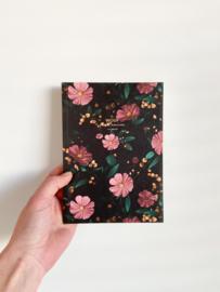 Notitieboekje black flowers A5