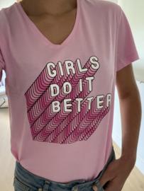 T-shirt 'Girls do it better'