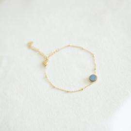 Armbandje blauw 2