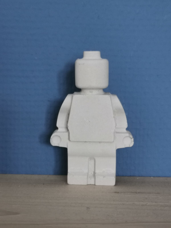 Legopoppetje van beton