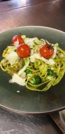 Pasta pesto brocolli