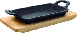 Grillpan glad gietijzer 22,5x10x2,5 cm op houten plateau