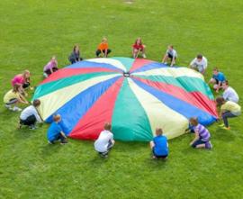 Parachute 610 cm doorsnee, met 16 handvatten