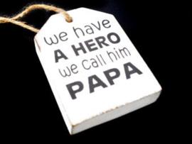 Houten label Hero papa, wit