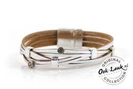 Sierlijke zilverkleurige armband met glinster