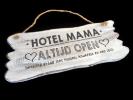 Houten tekstbord Hotel Mama, wit