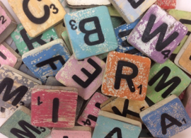 Houten letter kleur