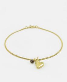 Heart bracelet with an smokey quartz bead.