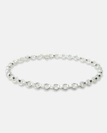 Bold anchor chain bracelet.
