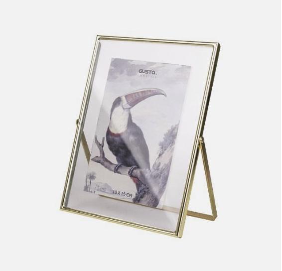 Fotolijst met een goudkleurig frame