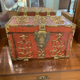 Zeldzame Kapiteins kist met renaissance ornamenten