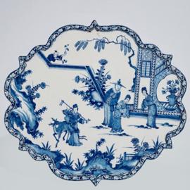 Zeer verfijnde plaquette met chinoiserie decoratie