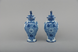 Two vases with lid