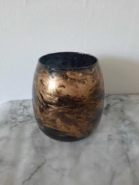 Vaas zwart goud