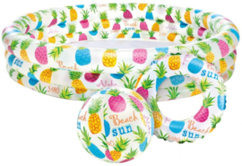Zonnige zomer zwembadset met gekleurde ananas