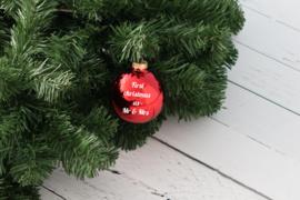 Kerstbal rood mat of glanzend glas met naam of tekst
