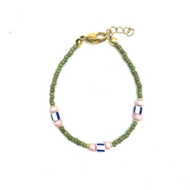 Green pink bracelet