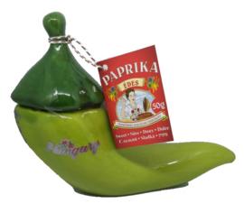 Zoete paprika poeder in paprika vorm (groen)