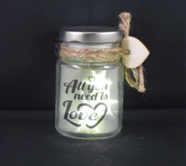 Potje met led-sterretjes; all you need is love