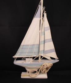 Zeilbootje met touw, Puckator