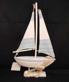 Zeilbootje met schelp, Puckator