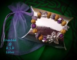 Bescherm Engel Armband met amethist/ paarse lava kralen/ houten kralen