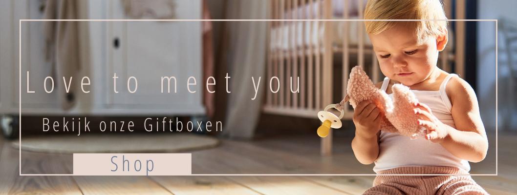 Jans Babybox, het perfecte cadeau voor een bijzonder klein wonder. Onze luxe baby cadeauboxen zijn dé cadeautip voor een kraambezoek of babyborrel!