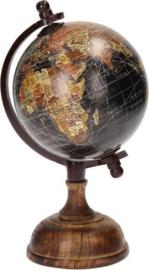 wereldbol op voet 25 x 12 cm hout zwart/bruin
