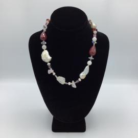Alluring Agate Quartz Necklace