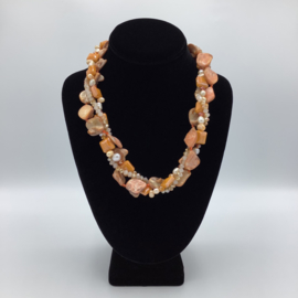 Winsome Shell Necklace - Twisted Collection