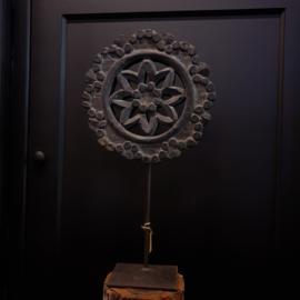 Ornament op standaard Black