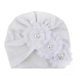 Mutsje wit velvet turban
