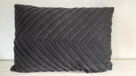 Riverdale Cush Black 50x70cm