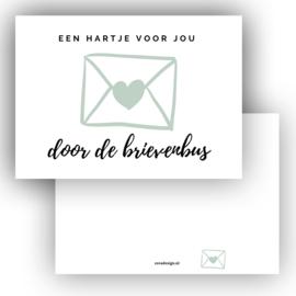 Mini kaartje Hart door de brievenbus groen