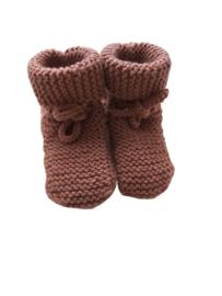 Knitted baby booties/slofjes terra
