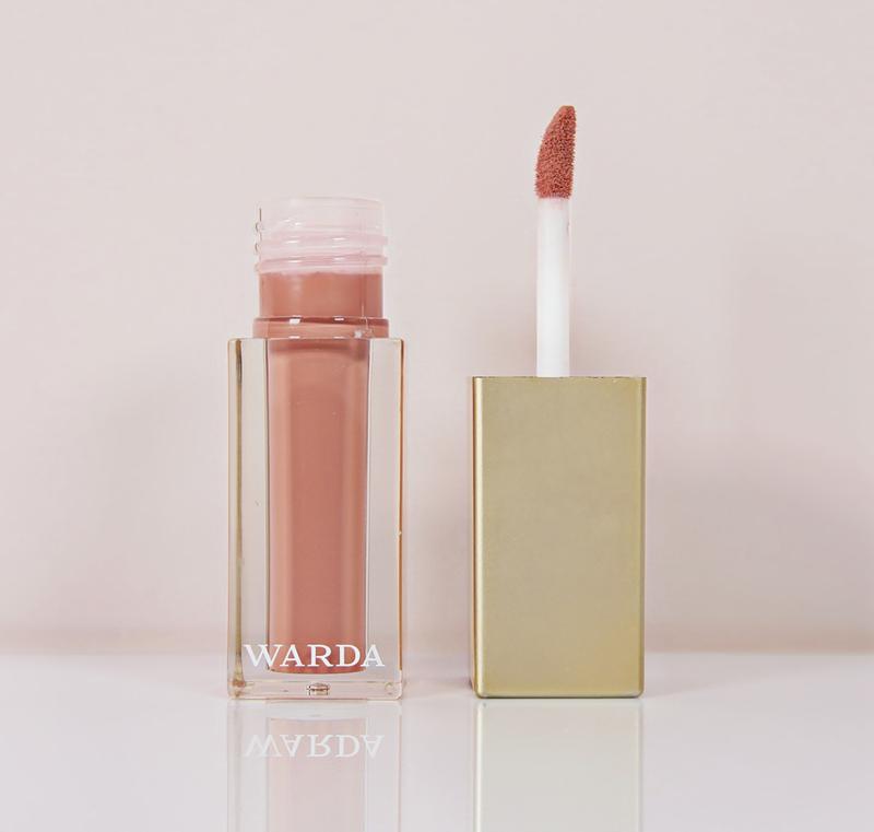 High shine lipgloss: CHAI