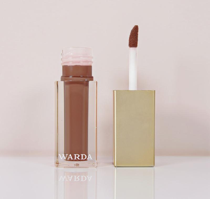 Matte liquid lipstick: TEDDY
