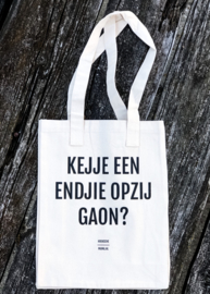 Grote canvas tas 'Kejje een endjie opzij gaon'.