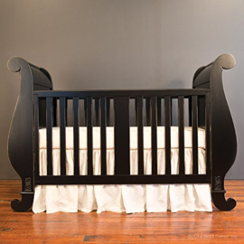 Bratt Decor Chelsea Sleigh crib dist black