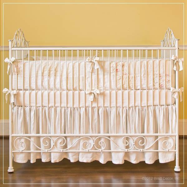 Bratt Decor Casablanca crib dist white
