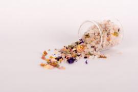 Badzout met bloemetjes